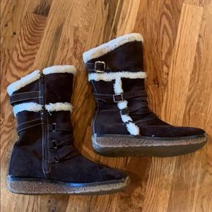 Winter boots size 8 1/2